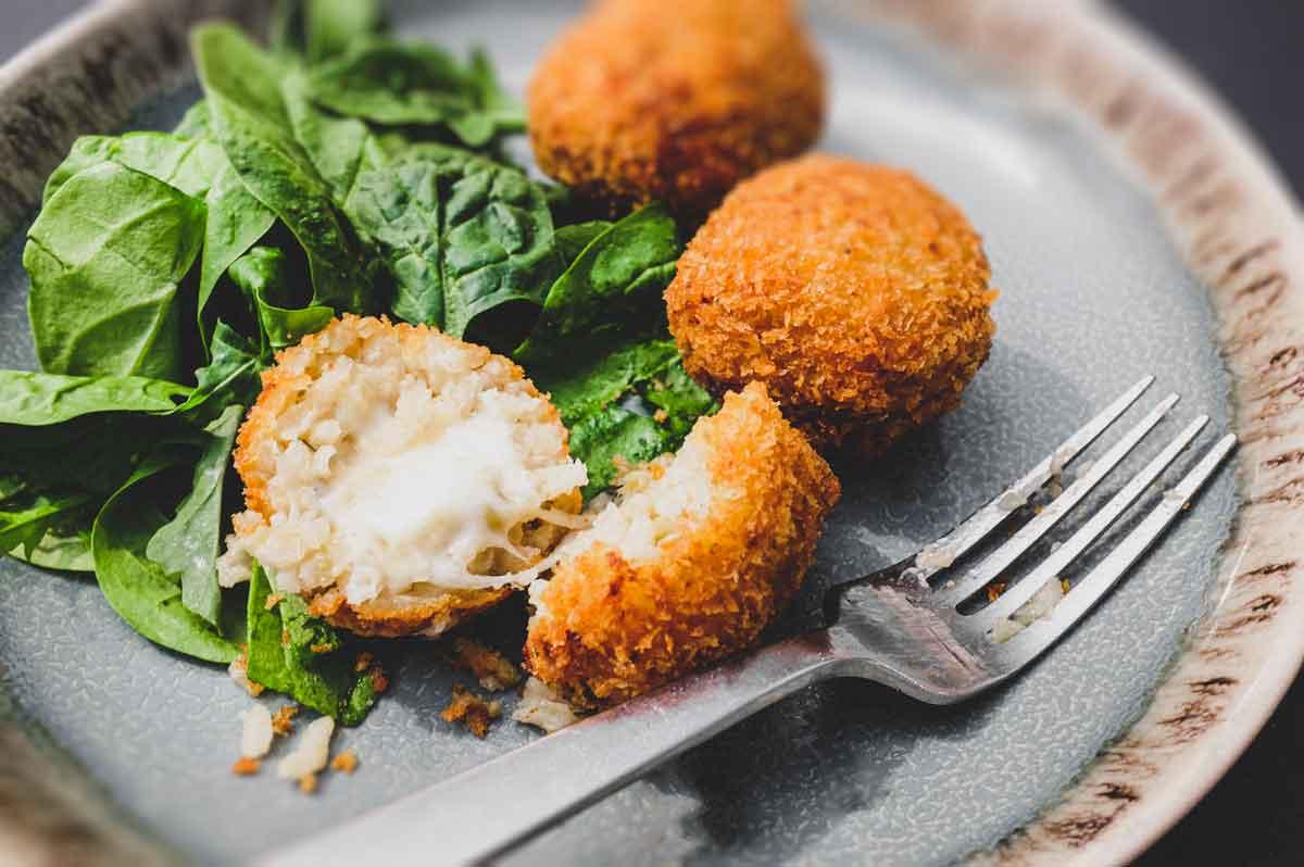 Suppli (Italian Rice Balls) | cookeatblog.com